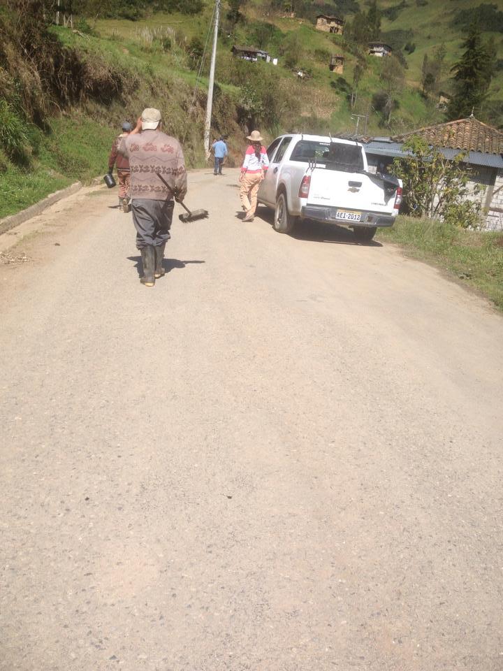 Bacheo de la vía San Vicente la Merced3